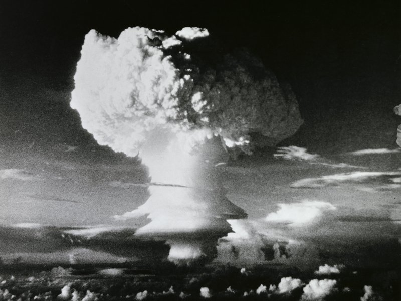 a history and qualities of the hydrogen bomb Nuclear weapon - the first hydrogen bombs: us research on  resulted in  thermonuclear weapons with a wide variety of characteristics and applications.