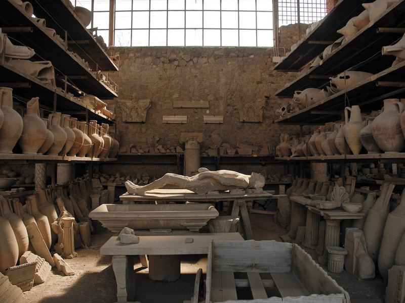 a report on the findings about the roman lifestyle based on the archaeological digs in herculaneum a Archaeologists in rome have unearthed a massive section of the ancient port city of ostia, shedding new light on the city's historical significance researchers for the portus project-- an.