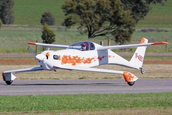 The quickie was rutan s first design for hire much smaller than the