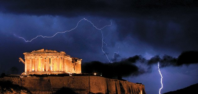a history of the parthenon temple An artistic reconstruction of the parthenon as it appeared in the fifth century bc while the temple is an austere monochrome today, it was originally embellished with bright red, blue, and golden paints.