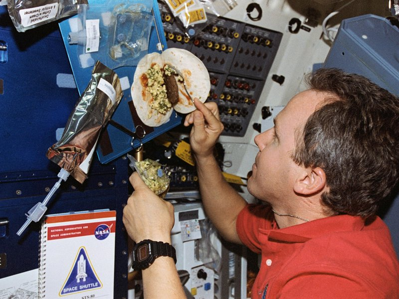 what do astronauts eat in space for breakfast - photo #8